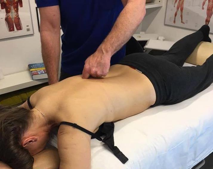 Sådan virker Fascial Manipulation og behandling af den dybe muskelhinde eller bindevævet